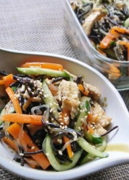 栄養満点!ひじきと白滝のダイエットサラダ