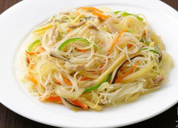 野菜もとれる時短麺!  焼きビーフン