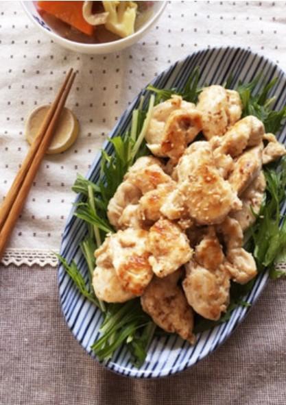 簡単*減塩*作り置き*鶏むね肉の鰹節焼き