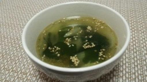 簡単☆わかめと玉ねぎの中華風スープ