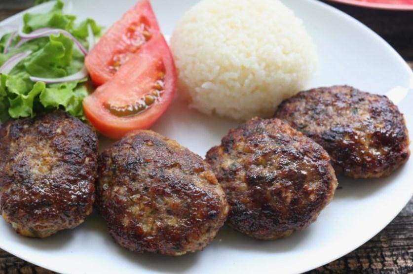 キョフテの本場風レシピ!人気トルコ料理の作り方