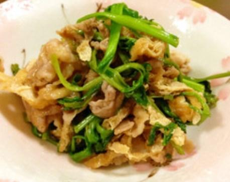 ご飯がすすむ★セリと豚肉炒め