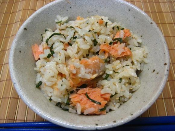 我が家の定番・鮭と大葉の炊き込みご飯