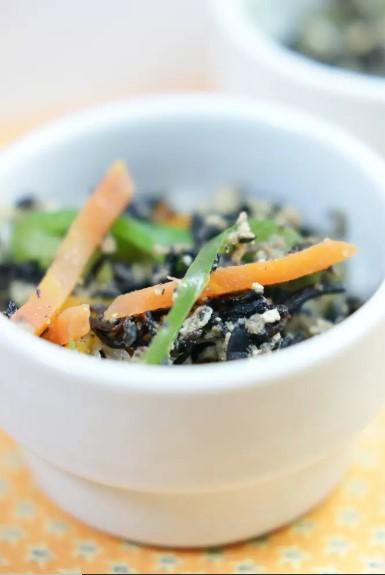 海藻食べよう!ひじきとツナの炒め物