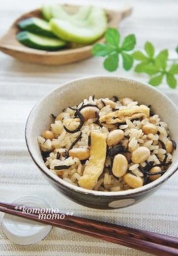体に嬉しい◆ひじきと大豆の炊き込みご飯◆