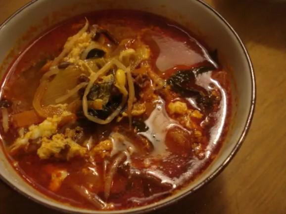 本場の味!韓国激辛ユッケジャンスープ