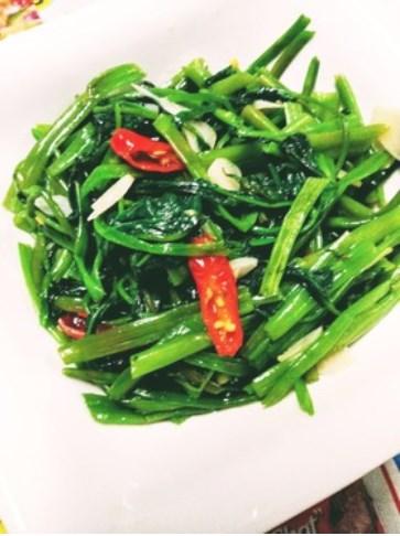 早うま!簡単台湾の炒空芯菜