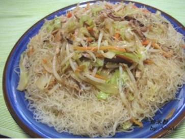 台湾家庭料理♪野菜たっぷり♪焼きビーフン