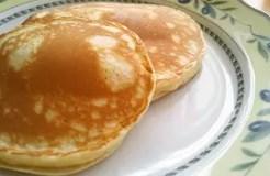 朝食にも便利☆小麦粉で簡単ホットケーキ