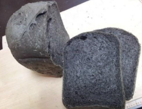 黒い!!練りごまのパン☆HB☆ヴィーガン