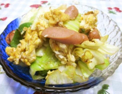 キャベツとソーセージで♥中華卵炒め