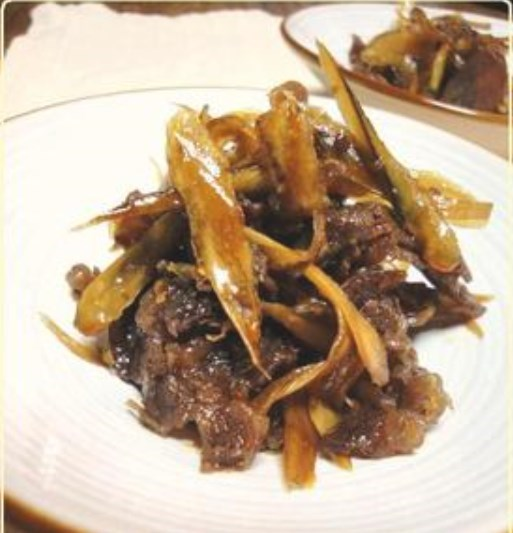 牛肉とごぼうのしぐれ煮。