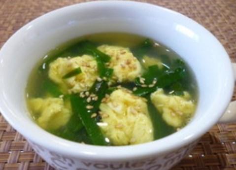 ふわふわ卵のにらたまスープ