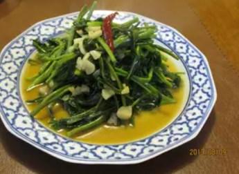 タイのメイドさんに習った空芯菜炒め
