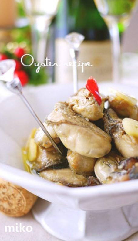 冬のおつまみ♪大蒜香る牡蠣のオイル漬け