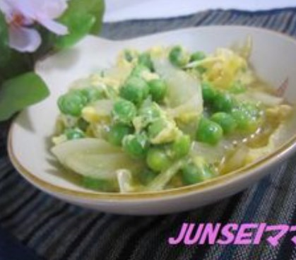 簡単★新玉ねぎとグリーンピースの卵とじ★