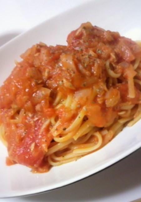 トマト缶でツナとトマトの生パスタ♪