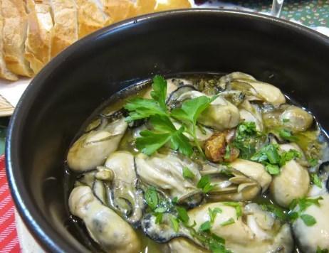 簡単♪牡蠣のアヒージョ(オイル煮)