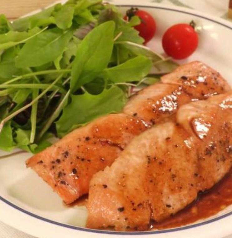 定番の味! 生鮭のバターぽん酢焼き