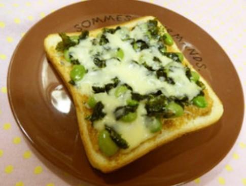 しらすと枝豆のトースト
