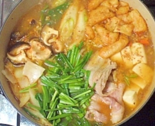 コク旨★みんなに人気の野菜たっぷり豚キムチ鍋 レシピ・作り方